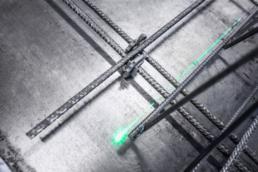 Exacte positionering van de roosters via lasertechnologie